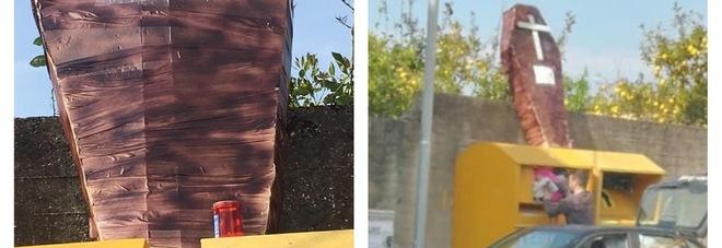 Mega monumento funebre alla Juve:  ironia «triccheballacche» di Ercolano