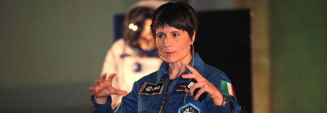 Samantha Cristoforetti lascia l'Aeronautica: «Scelta personale, a gennaio spiegherà i motivi»