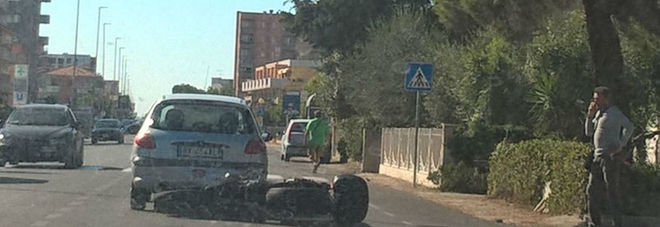 Motociclista si schianta contro una macchina Traffico in tilt sulla Statale