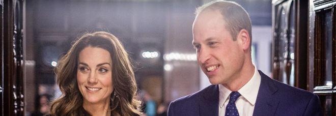 William e Kate a teatro a Londra, il look sfavillante della duchessa conquista tutti