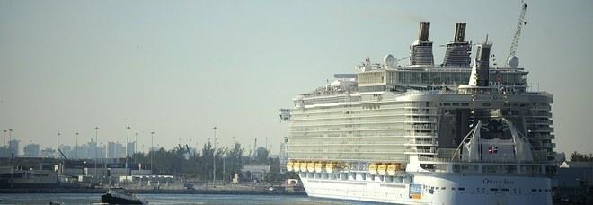 Crociera diventa un incubo: «277 passeggeri stanno male». La nave rientra, tutti rimborsati