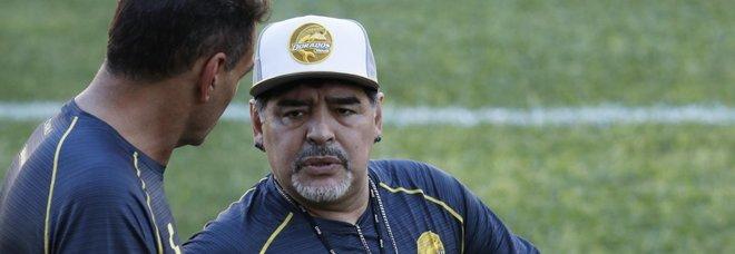 Primo giorno di allenamento per Maradona in Messico