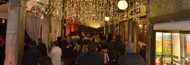 I negozi non pagano, centro storico di Venezia semi buio