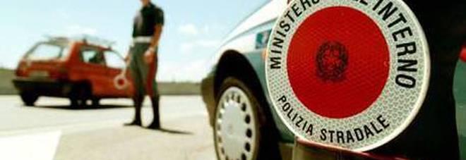 In moto contromano sull'autostrada: «Avevo perso il portafogli». Panico sulla A4