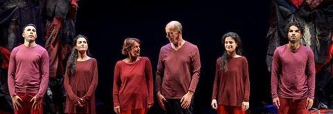 'Human', l'Eneide moderna che racconta il dramma dei migranti al Teatro Argentina