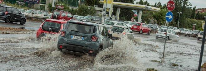 Fulmine colpisce centralina:  semafori in tilt sulla Gianicolense