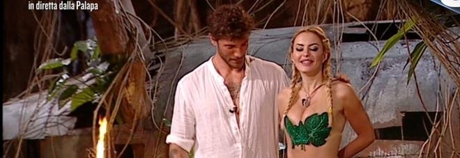 Elena Morali super hot è la nuova concorrente dell'Isola