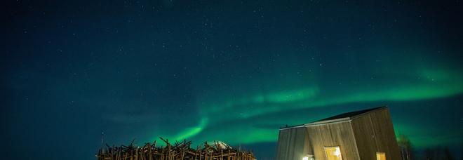 Aurora boreale: il nuovo rifugio per ammirarla è un hotel galleggiante nella Lapponia svedese