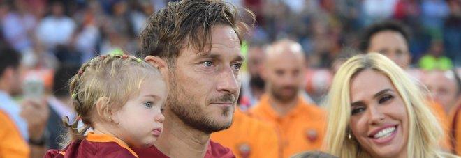 Roma, Totti: «Sono cresciuto nel campo e nel campo morirò. Con Spalletti non ci sarà mai un confronto»