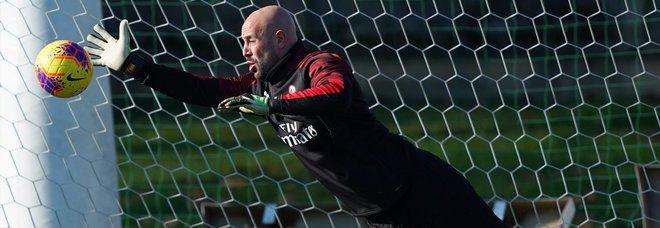 Pepe Reina saluta il Milan
