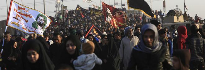 Iraq, la marcia da Karbala a Arbaeen