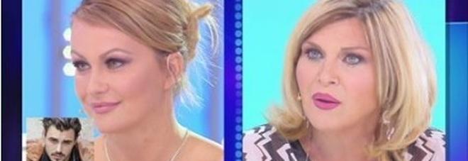 """Eva Henger-Nadia Rinaldi, rissa in tv: """"Droga all'Isola, tu sapevi"""". La replica: """"Monte? Per me non ha fumato"""""""