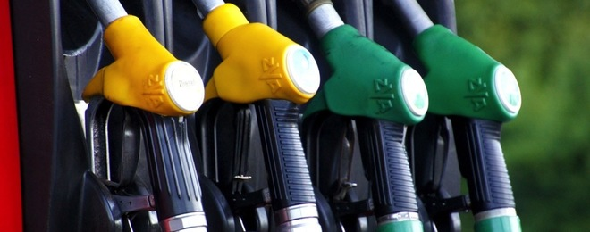 Benzina, il prezzo aumenta di nuovo in Italia: la verde a 1,559 euro/litro