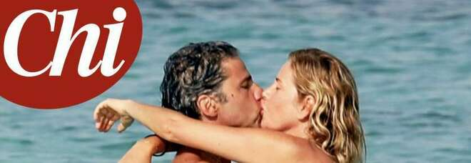 """Alessia Marcuzzi e il marito Paolo Calabresi, fuga a Formentera dopo la """"tempesta"""" sul tradimento con Stefano De Martino"""