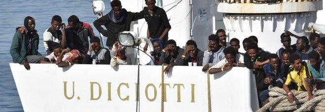 Migranti Diciotti a Rocca di Papa, abitanti in rivolta: «Non li vogliamo, portano malattie»