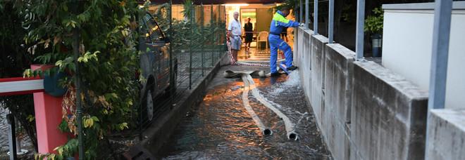 Violento nubifragio su Lignano: turisti in fuga, danni e allagamenti