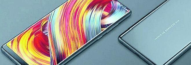 La sfida hi-tech (ma low cost) di Xiaomi: smartphone XXL e in ceramica