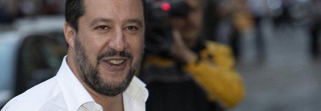 Bomba carta contro sede della Lega, Salvini: «Violenza vecchia contro sorriso e cambiamento»