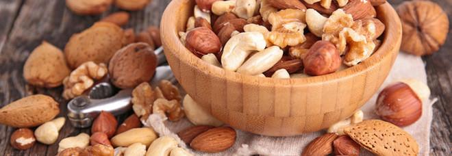 Mangiare frutta secca è il segreto per non ingrassare: una ricerca spiega il motivo
