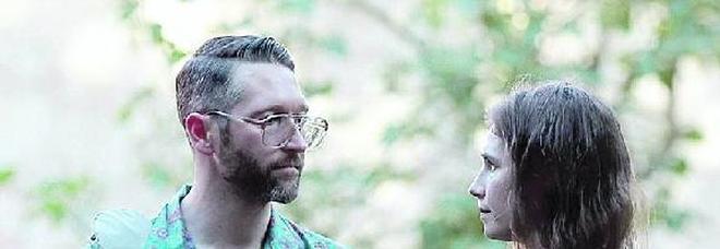 Knox: in Italia ho finito i soldi: «Aiutatemi a sposarmi». Ma a Modena la smentiscono: «Tutto pagato»