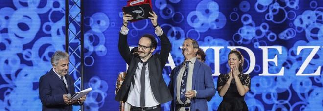 Il vincitore Davide Zilli sul palco dell'Arena Sferisterio di Macerata