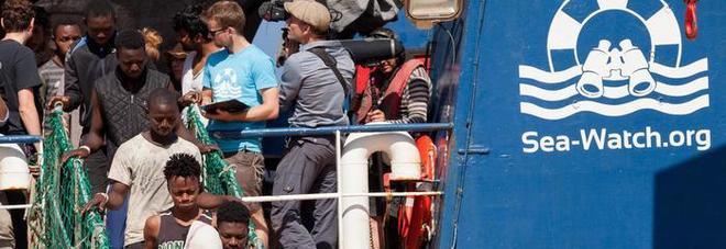 Migranti, in Sicilia e in Calabria sbarcano in 457 da tre navi