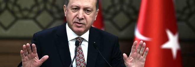 La lira turca agita i mercati  sfida Trump-Erdogan sui dazi