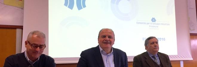Il presidente Francesco De Angelis al centro  e gli altri componenti del Cda