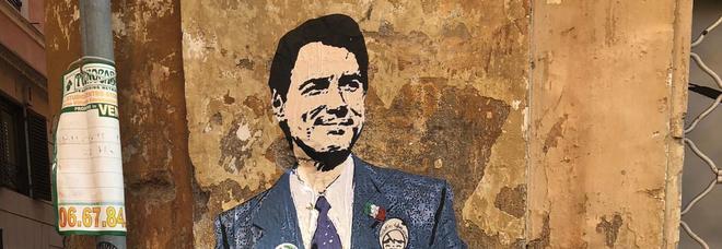 """A Roma spunta il murale di Conte con la """"Lista di cose da fare per salvare l'Italia"""""""