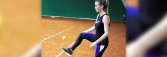 Diletta Leotta show sui campi da tennis: l'allenamento sulla terra rossa è sexy Video