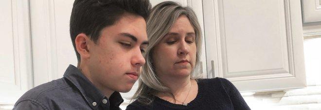Scova falla di Facetime, Apple paga gli studi al 14enne