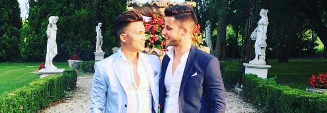 Marco e Christian sposi nel castello: «E i nostri familiari sono entusiasti»