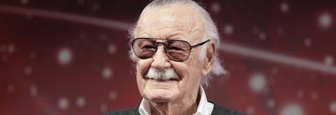 Abusi su presidente della Marvel, allontanato l'assistente del 95enne Stan Lee