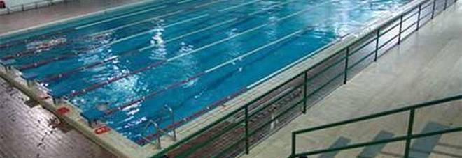 Foggia, madre denuncia: «Mio figlio disabile fuori dal corso di nuoto». Dirigente scolastico: nessuna discriminazione