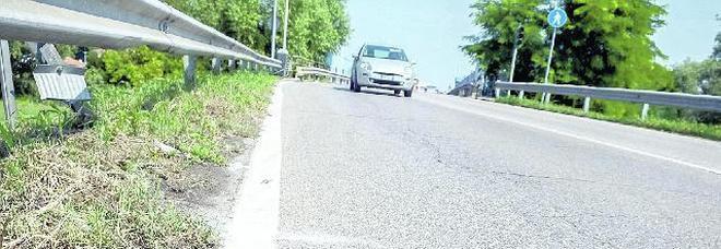Cade in moto, muore medico 41enne
