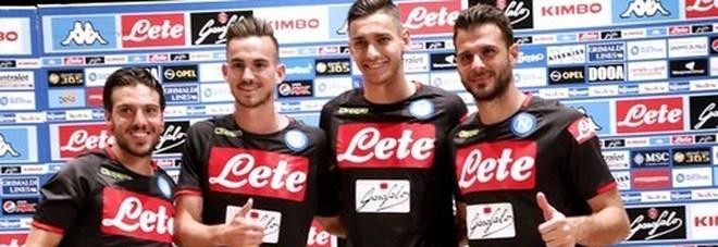 Il Napoli fa sul serio a Dimaro, Anna Trieste torna tra i tifosi | Video