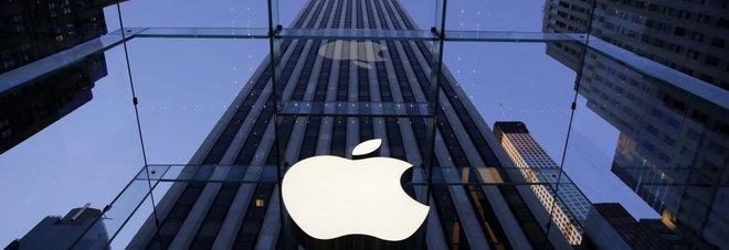 Apple, le autorità Usa indagano sul rallentamento degli iPhone