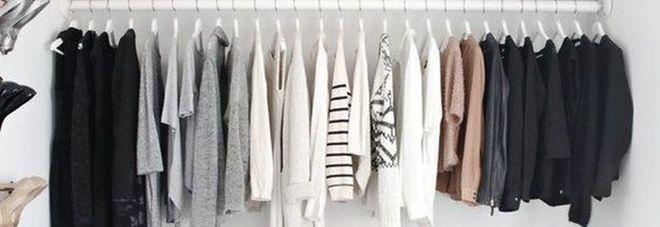 """Armadio pieno e """"nulla da mettere""""? Ecco come ottenere un guardaroba minimalista (e vivere felici)"""