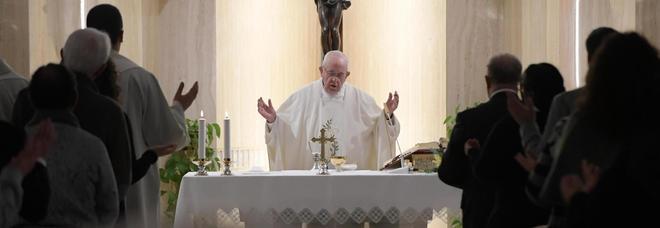 Papa Francesco apre ai profughi: «Le migrazioni arricchiscono»