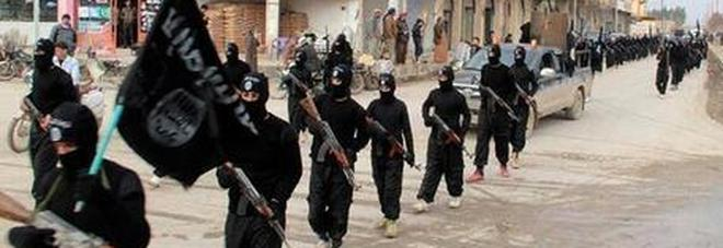 Europol, nuova allerta Isis: «Stanno arrulando donne jihadiste per rilancio califfato»