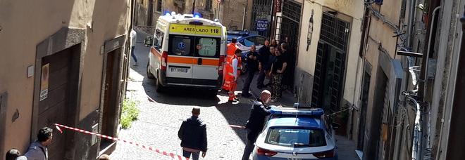 Viterbo, titolare di jeanseria ucciso a sprangate nel suo negozio durante una rapina