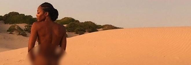 Naomi Campbell senza veli su Instagram, la foto fa impazzire i fan