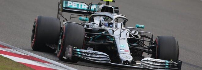 Formula 1, Gp Cina: pole di Bottas, poi Hamilton e le Ferrari: Vettel davanti a Leclerc