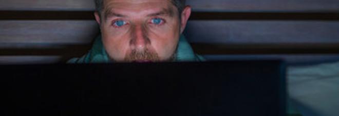 Anatema Gesuiti sul cybersex: «I fumetti porno erano meno devastanti per la mente»