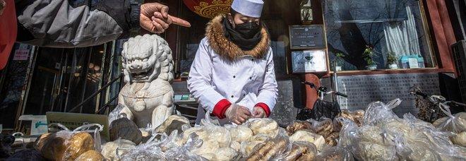 Coronavirus, la Cina sterilizza il denaro per evitare la diffusione del contagio