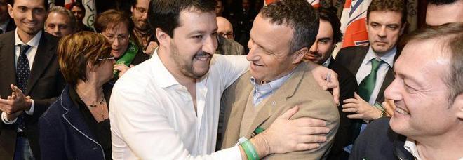 Tosi e Salvini in un freddo abbraccio