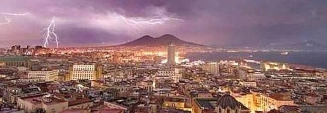 Torna il maltempo sulla Campania: domani pioverà tutto il giorno