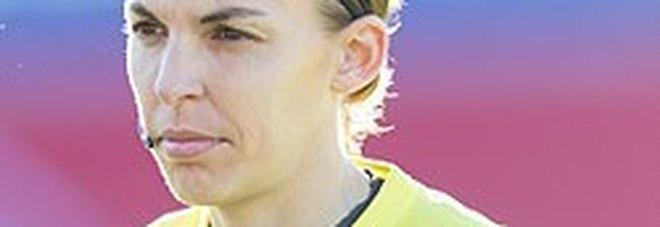 Francia, per la prima volta un arbitro donna in Ligue1