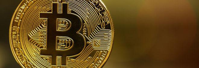 Bitcoin, scivolone in mattinata: crollo a 12.255 dollari, -40% rispetto ai massimi raggiunti