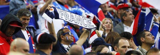 """Francesi in vacanza in Croazia """"fuggono"""" verso Trieste: «La finale meglio guardarla in Italia»"""